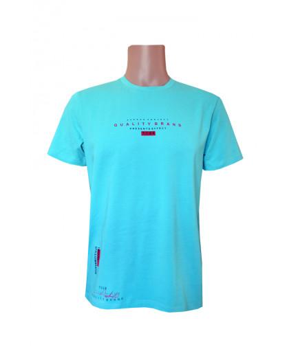 Бирюзовая футболка с мелкой надписью
